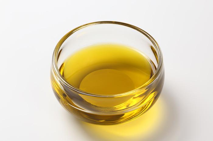 エグレヒオは、フルーティーな中にも、辛さ、苦味などの味の特徴がバランスよくまとまったオイルとなっています。